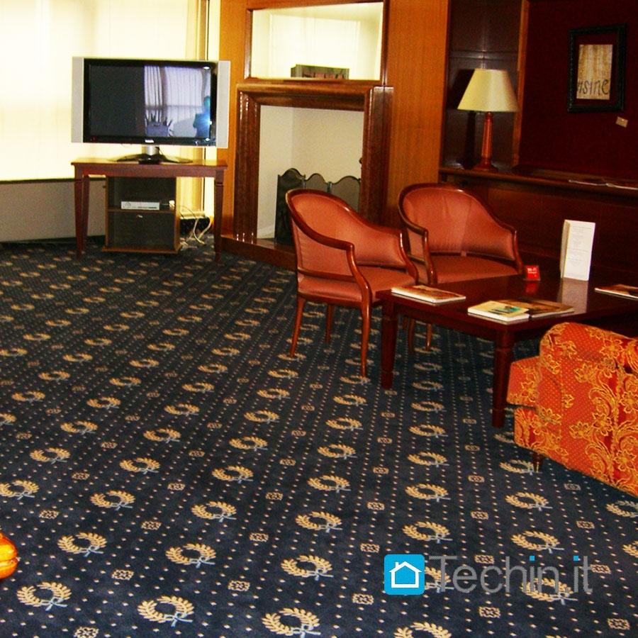 passatoia moquette bordata corsia su misura per alberghi