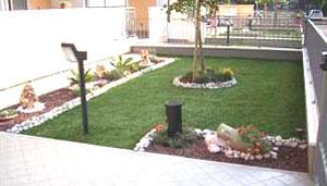 Prato sintetico erba sintetica siepi artificiali prezzo for Siepe finta per terrazzo