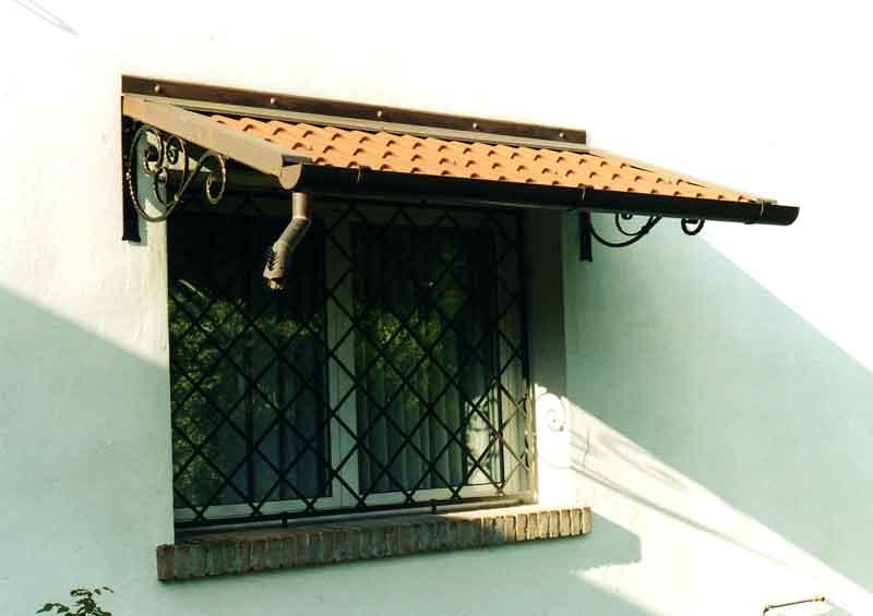 Tettoia tettoie ferro battuto tettoie inox pensilina ingresso for Copri muro esterno prezzi